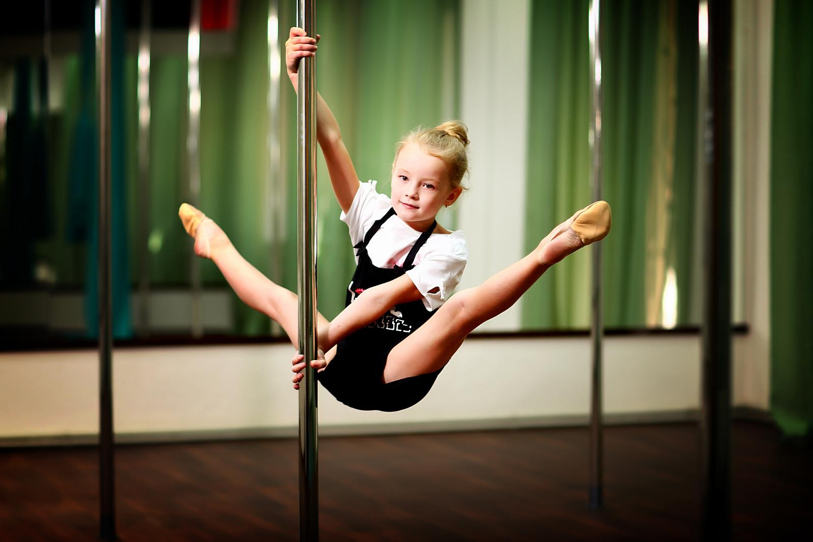 Pole Kids Training